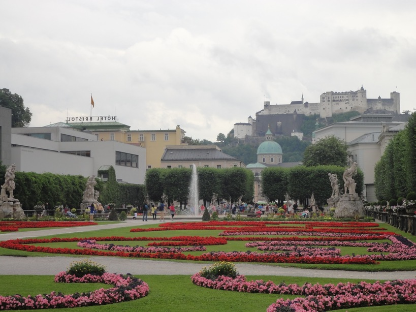 Flowerbeds and Fountains. Mirabell Gardens, Salzburg, Austria