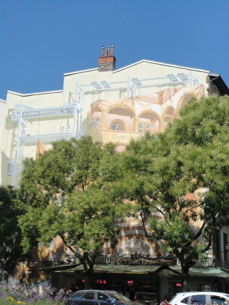 La Fresque de la Cour des Loges. Lyon, France