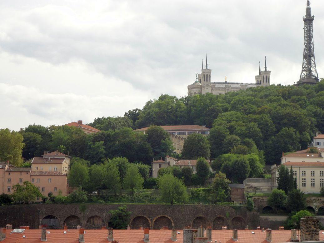 Lyon france outdoors in lyon parks and a roman theater funderfulworld - Jardin villemanzy lyon lyon ...