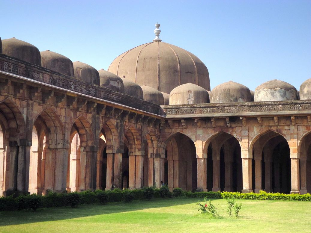 Domes and more (domes). Jami Masjid, Mandu (Mandav), Madhya Pradesh