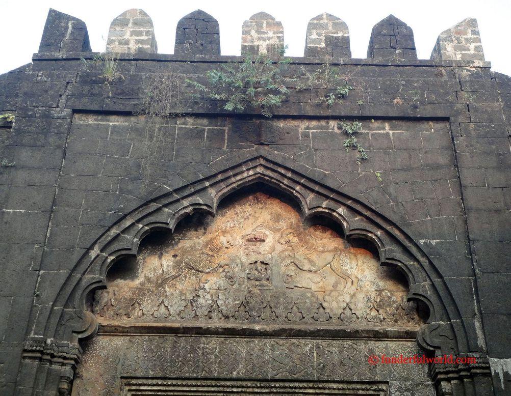 Motifs. Teen Darwaza, Panhala, Maharashtra.