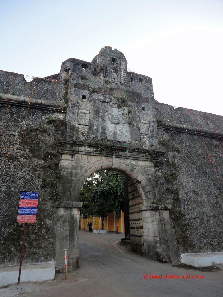 Entrance to Moti Daman. Daman, India.